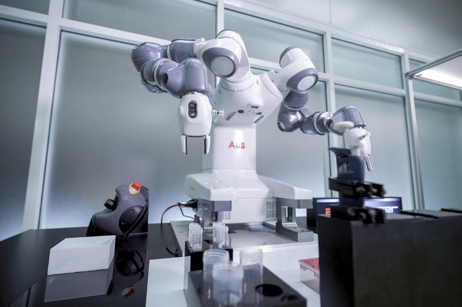 ABB's YuMi Robot